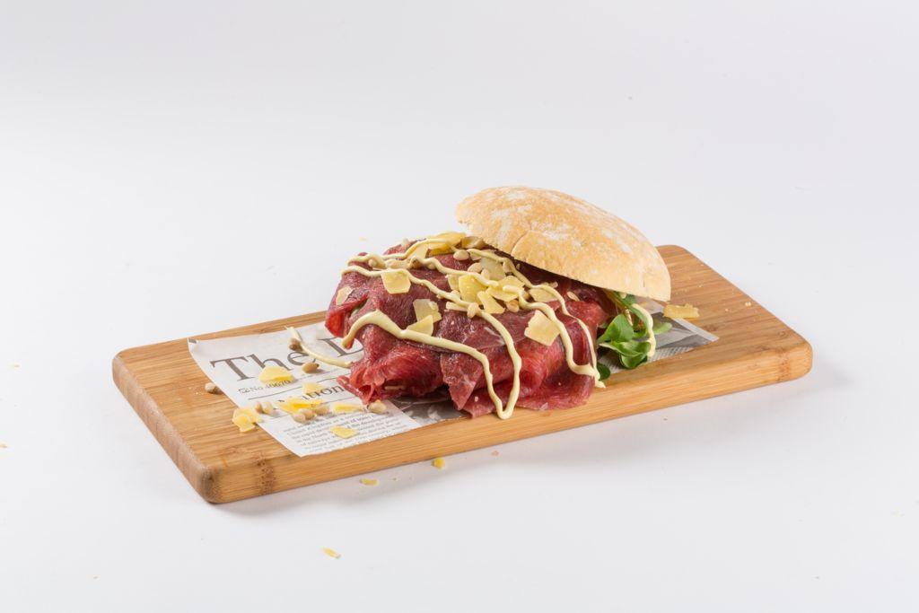 Bagnat broodje carpaccio - Cafetaria Eetsalon Marktzicht in Beusichem