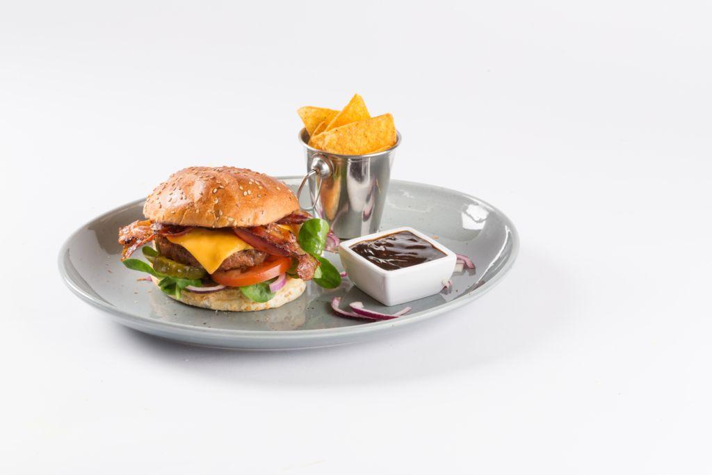 Broodje BBQ burger - Cafetaria Eetsalon Marktzicht in Beusichem