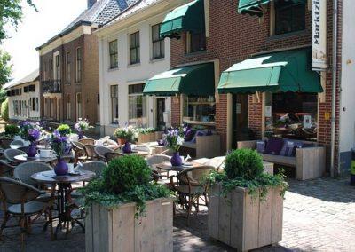 Terras van Eetsalon Marktzicht in Beusichem, gemeente Buren